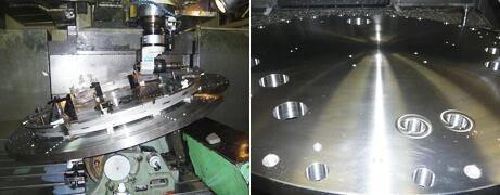 サーキュラテーブルと横型アタッチメントによる加工